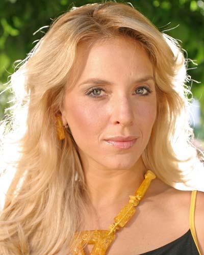 Мария Берсенева (Маргоша), наотрез отказалась перекрашиваться, не взирая на то, что Карла Петерсон (Лола) в фильме - блондинка